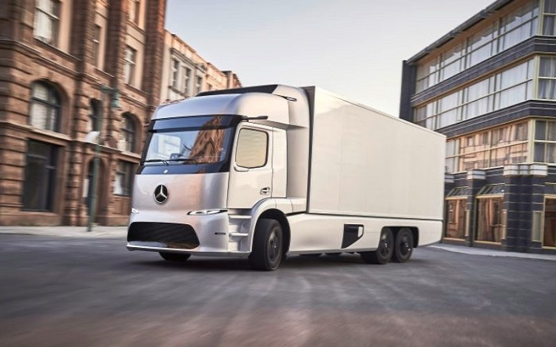 """Mercedes-Benz eTruck scoops the """"European Transport Prize for Sustainability 2018"""""""